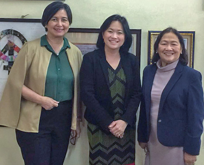 With the Philippines Commission on Women Chair, Rhodora Masinag-Bucoy, and Executive Director, Emmeline Verzosa. The Commission recently expanded its partnership with women-led businesses to reach out to 12,000 women micro-entrepreneurs. Photo: UN Women/Carla Silbert
