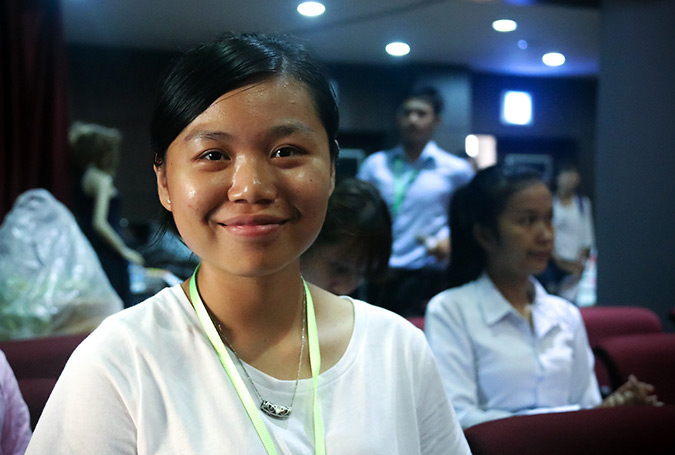 """Ek Apsara, a freshman of Puthisastra University, joiedt the International Women's Day in Cambodia with the message """"Women have to come together in order to solve our common problem. Do not hide it or keep it to oneself. We have to learn to value ourselves before asking others to value us.""""   Photo: UN Women/Sreynich Leng"""