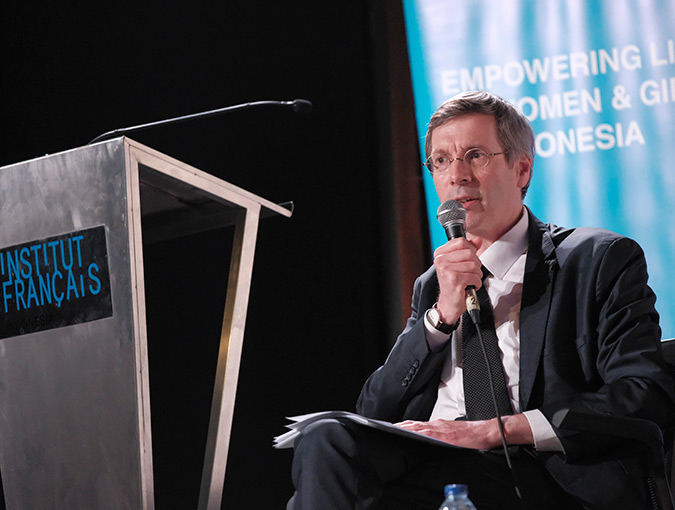Francois Croquette, French Ambassador for Human Rights, spoke about how promotion and protection of women's rights is the benchmark for democracy. Photo: UN Women/ Putra Djohan.