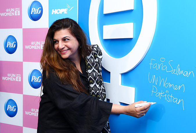 Faria Salman, Head of Communications, Strategic Management & Partnerships Unit, UN Women signing in support of the new initiative of Women's Economic Empowerment in Pakistan. Photo: P&G Pakistan
