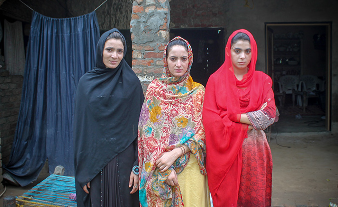 """""""Never has a moment been so pleasant for me than the one when we 3 sisters brought our PKR 42,000 monthly salary to a home where there was nothing except starvation."""" Photo: UN Women"""