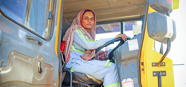 "Sitta Bai, 30, says, ""I am doing this for myself and my generations to come. They will remember a Sitta Bai, who together with other women, drove trucks and made a history with their resilience and courage."" Photo: UN Women/Anam Abbas"