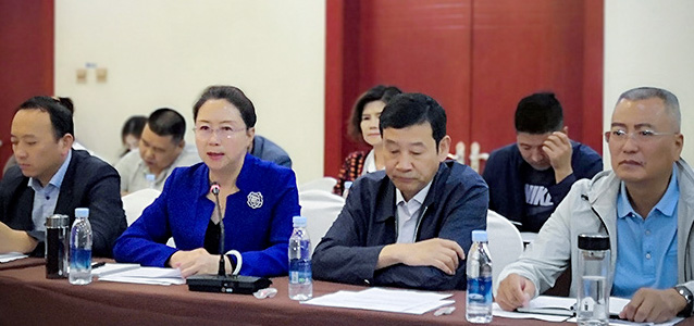 Vice President of Qinghai Women's Federation Dang Huiqiao, second from left, speaks at the project launch meeting. Photo: UN Women/Wang Qing