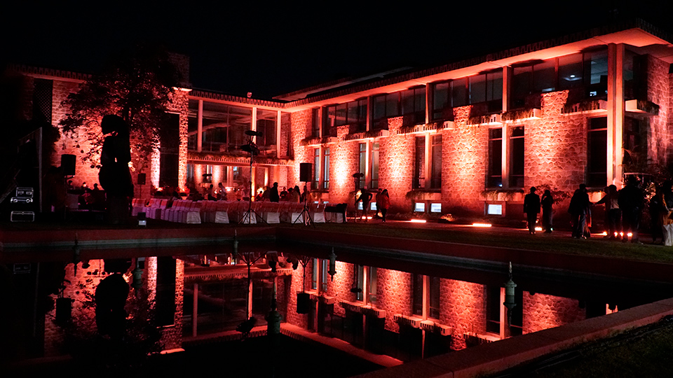 UN House in India lights up in orange to support ending violence against women. Photo: UN Women/Arachika Kapoor