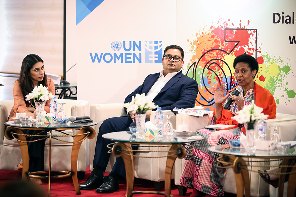 Karachi - ED speaks at the panel discussion with private sector on gender equality. Photo: UN Women/Najam Photography, Ali Najam and Asif Ali
