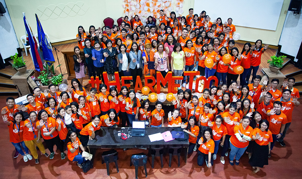 Students at the 28 November forum at Philippine Normal University make a mass call for #HearMeToo--a call to listen to and believe survivors and end the culture of blaming the victim.  Photo: UN Women/Norman Gorecho