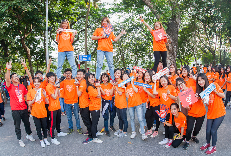"""Young student dancers in """"Dance For Kindness"""" in Hanoi called for action to end gender-based violence. Photo: UN Women/Nguyen Duc Hieu"""