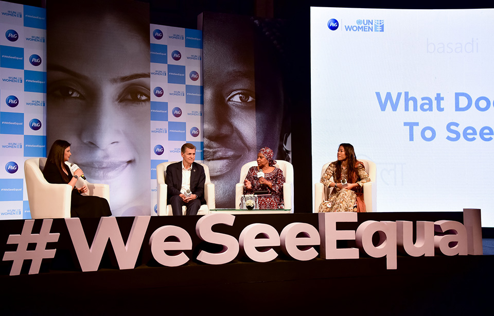 UN Women Executive Director Phumzile Mlambo-Ngcuka, Chief Brand Officer, P&G, Marc Pritchard, Indian Olympic Boxer and 6 time World Amateur Boxing champion, Mary Kom, in a discussion with Shruti Mishra, Anchor, CNBC-TV 18, during a panel on 'What does it take to see equal?' at the #WeSeeEqual Summit, co-hosted by P&G and UN Women in Mumbai. Photo: UN Women/Sarabjeet Dhillon