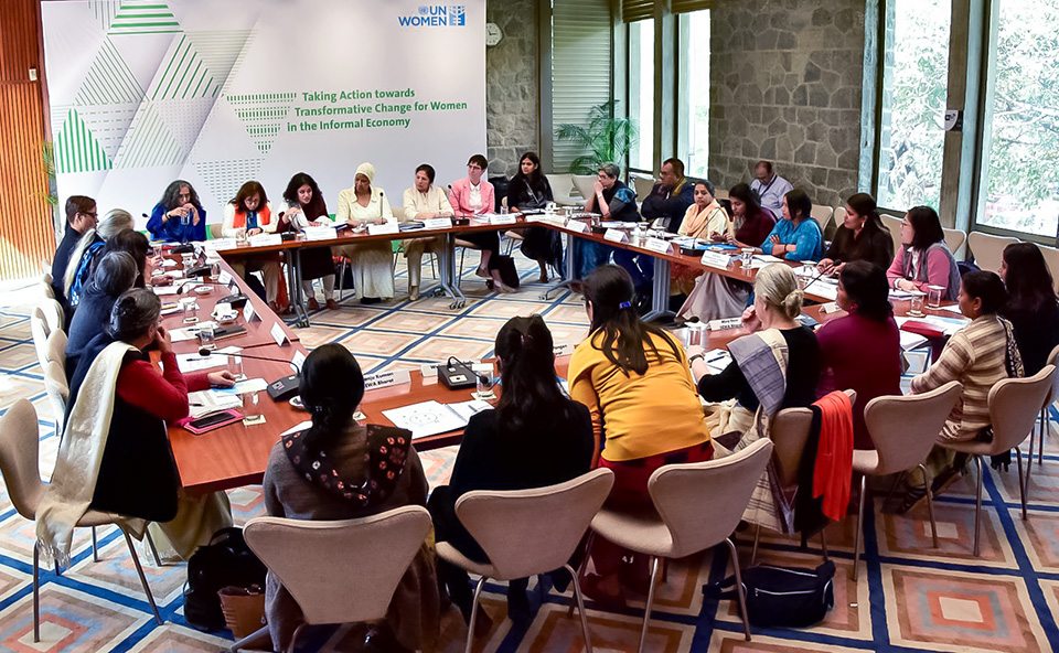 The Executive Director took part in a civil society consultation on 'Taking Action Towards Transformative Change for Women in the Informal Sector in India'. Photo: UN Women/Sarabjeet Dhillon