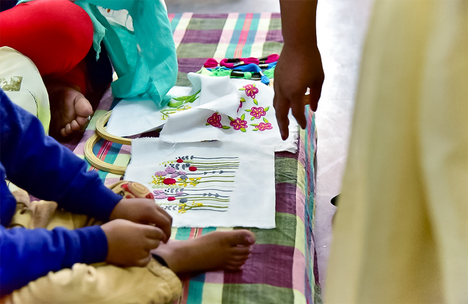 Fine embroidery items made by home-based informal economy workers were on display at the SEWA Centre in New Rajiv Nagar, Delhi. Photo: UN Women/Sarabjeet Dhillon