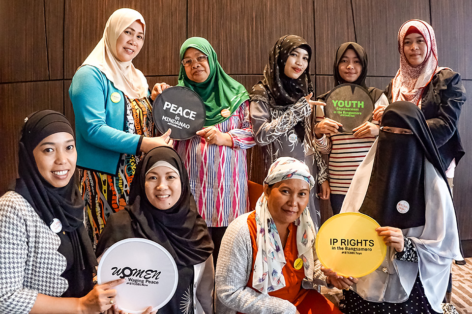 Women in the UN Women-created Speakers' Bureau advocate for the passage of the Bangsamoro Organic Law in April 2018. Photo: UN Women/Maricel Aguilar