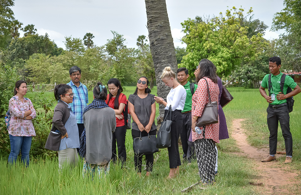 UN Women and UN Environment teams spoke with women farmers in Takeo province about their experiences. Photo: UN Environment and UN Women/Prashanthi Subramaniam