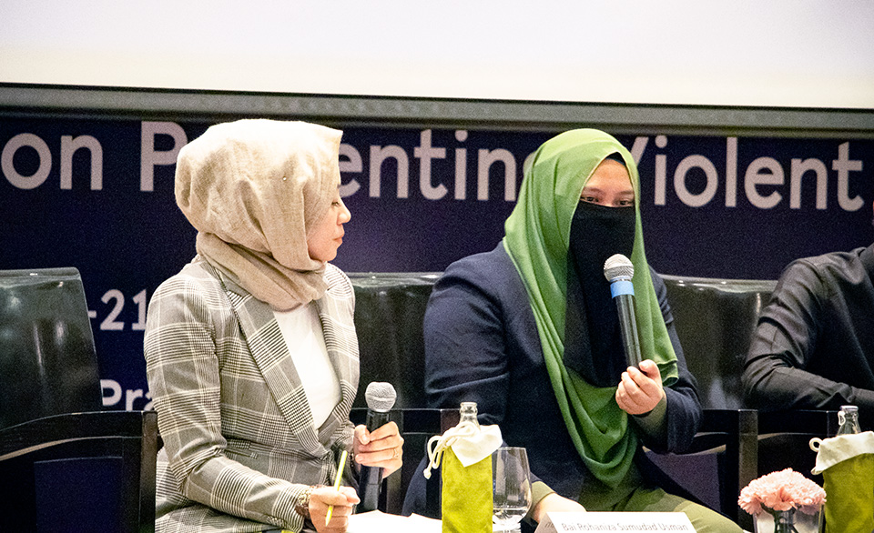 Project Coordinator of Salaam Movement in the Philippines, Fatima Star Usman Lamalan joining a youth-led panel on P/CVE initiatives. Photo: UN Women/Caitlyn Quinn