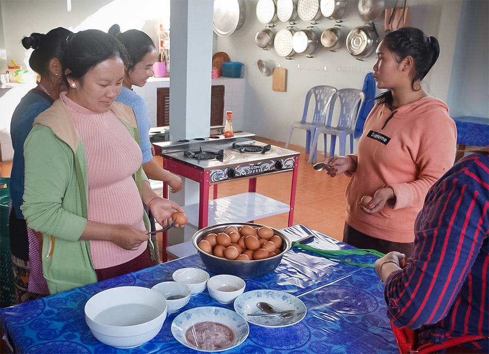 A UN Women skills-training programme, supported by the Government of Canada, is focusing on the often invisible victims of Lao's UXOs – the women. Photo: UN Women/Keshia D'silva
