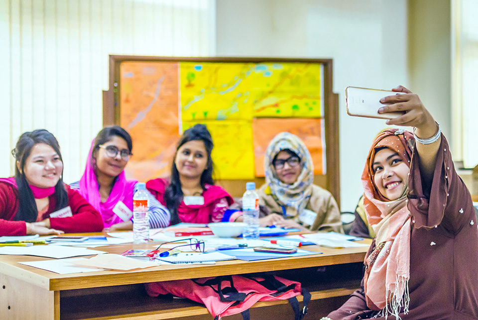 UN Women and BRAC University offer training for young female university students on social entrepreneurship in Mymensingh in December 2018. Photo: UN Women/Tasfiq Mahmood