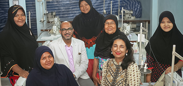 UN Women incoming Deputy Executive Director Anita Bhatia, Regional Director for Asia and the Pacific Mohammad Naciri and women who participate in sewing and other vocational skills training at the Islamic Community Centre in Mae Sot. Photo: UN Women/Bundit Chotsuwan