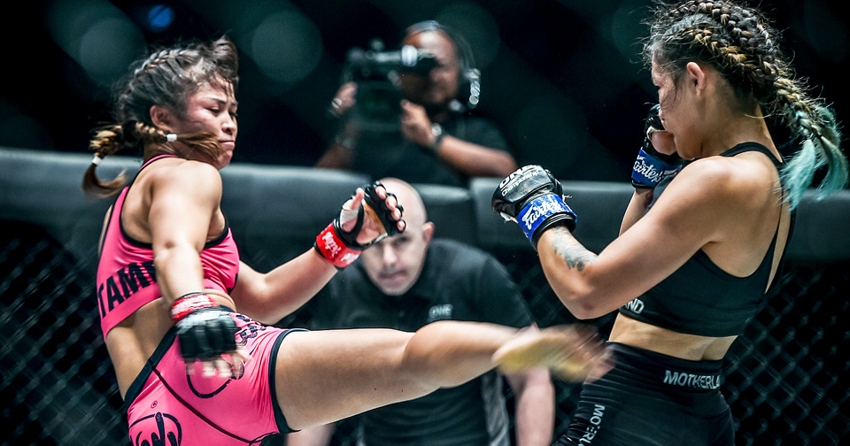 Stamp, left, at the ONE: DREAMS OF GOLD competition in Bangkok on 16 August. Photo: ONE Championship