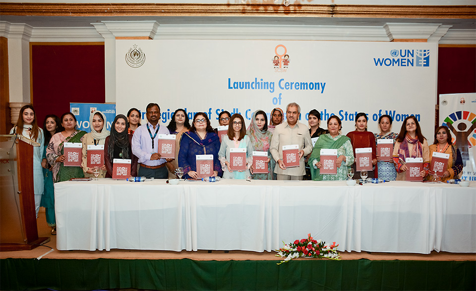 Chief Secretary Sindh, Chairperson SCSW, Secretary WDD Sindh, Deputy Country Representative UN Women Pakistan and others at the launch of SCSW Strategic Plan in Karachi. Photo: UN Women/Habib Asgher