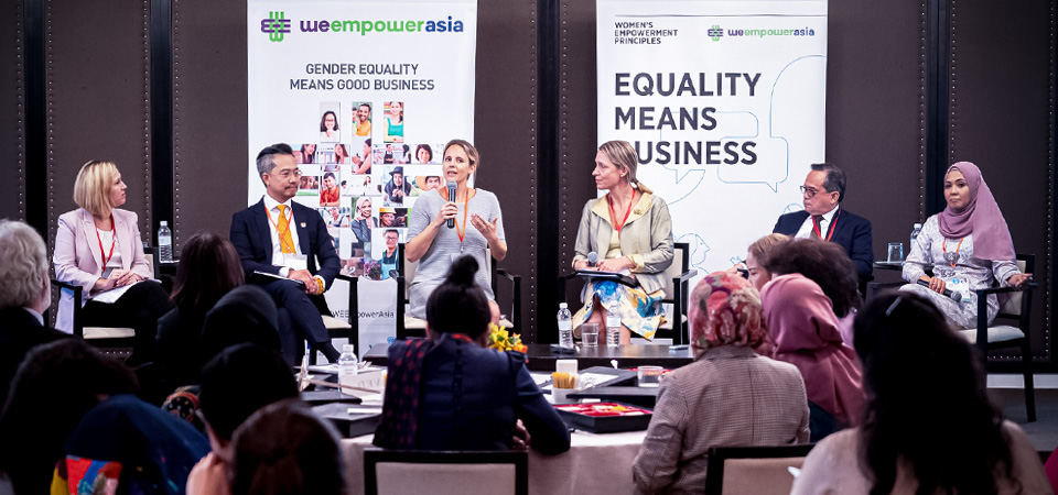 The panelists discuss how empowering women helps businesses. Photo: UN Women/Pathumporn Tongking
