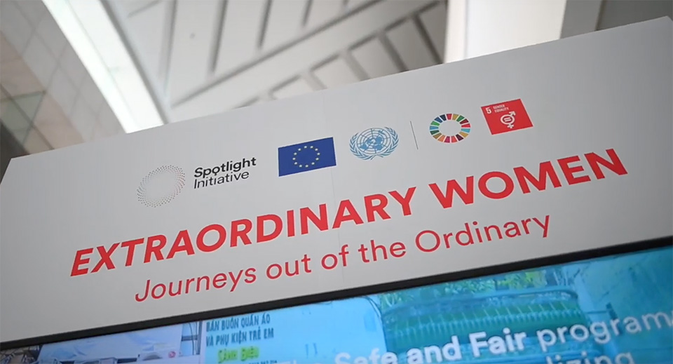 EXTRAORDINARY WOMEN  Journeys out of the Ordinary