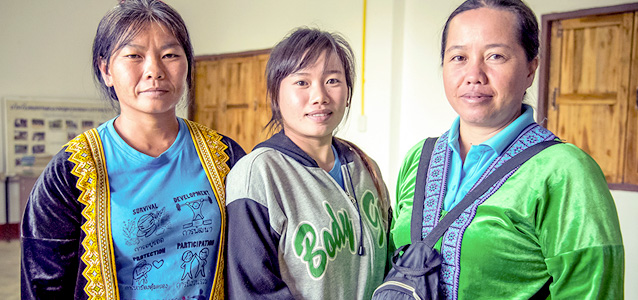 Women from the Hmong ethnic minority group lead a community mechanism that monitors cases related to gender-based violence and trafficking in Chiang Khong. Photo: UN Women/Ploy Phutpheng