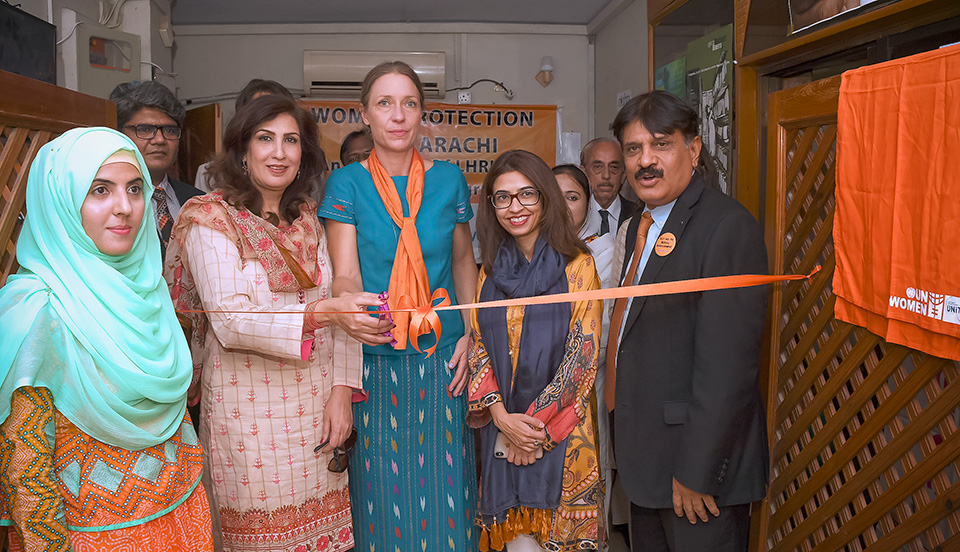 Deputy Regional Director UN Women Asia Pacific Anna-Karin Jatfors, Minister Women Development Department Sindh Syeda Shehla Raza and Deputy Country Representative UN Women Pakistan Aisha Mukhtar inaugurate the Women Protection Unit in Karachi on December 6, 2018. Photo: UN Women