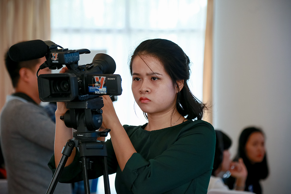 Viet Nam's journalists learn how to report on women and risks of climate change
