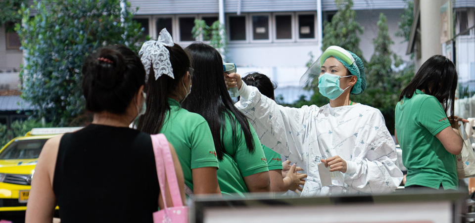 Scenes of healthcare workers at Thailand Bamrasnaradura Infectious Disease Institute, Ministry of Public Health.  During this coronavirus outbreak, workforce shortages have gotten worse and nurse-midwives around the world have had to sacrifice in the hospitals around the clock and with limited personal protective equipment.   Photo: UN Women/Pathumporn Thongking