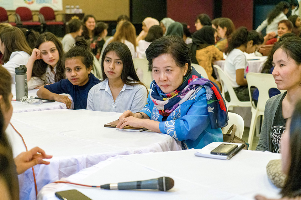 Arunrung Phothong Humphreys, Ambassador of Thailand, talks with the university students. Photo: Lauren Kana Chan/Asian University for Women
