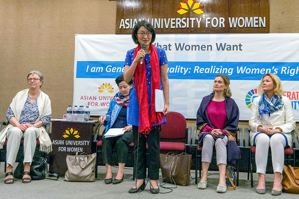 Shoko Ishikawa, Country Representative of UN Women Bangladesh, moderates the panel discussions on Breaking the Glass Ceiling and on Feminism from West to East. Photo: Lauren Kana Chan/Asian University for Women