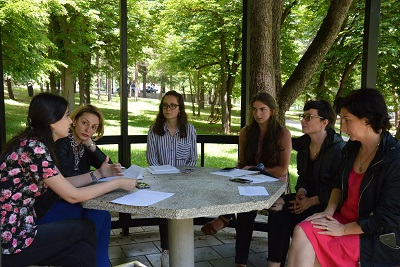 Group work: representatives of private companies brainstorm on how to apply WEPs in practice