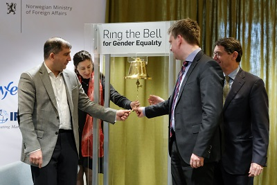 """George Paresishvili, CEO of the Georgian Stock Exchange; Jan van Bilsen, IFC Regional Manager for the South Caucasus; Vegard Stensrud, Deputy Head of Mission of the Royal Norwegian Embassy in Baku; and Tamar Sabedashvili, UN Women Deputy Country Representative opened the event by jointly """"ringing the bell"""""""