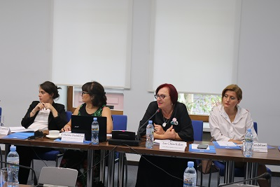 Representatives of the public sector and NGOs discuss the role of women in peace processes