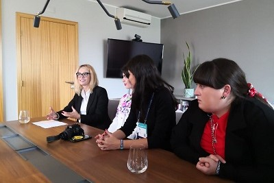 Ms. Carla Batista (left), Country Operations Manager for Monese in Portugal, discussed the position of women in technology with the study visit participants