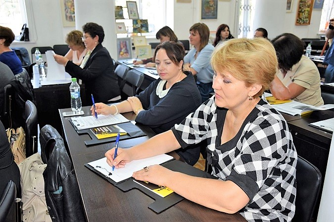 50/50 Women's Political Club consolidates its efforts in Moldova
