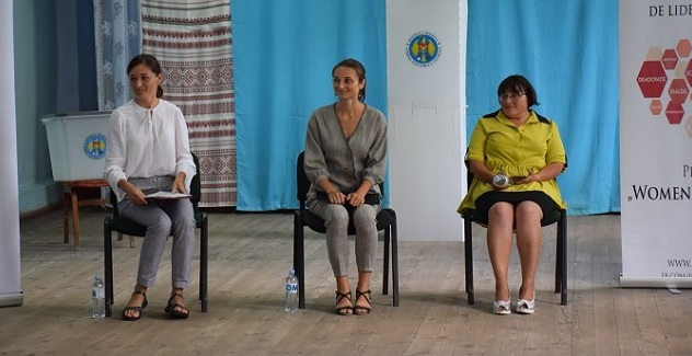 Several participants in the 'Women 4 Leadership' Women's Leadership Academy took part in exercises simulating public debates, organised in different localities in the Republic of Moldova.