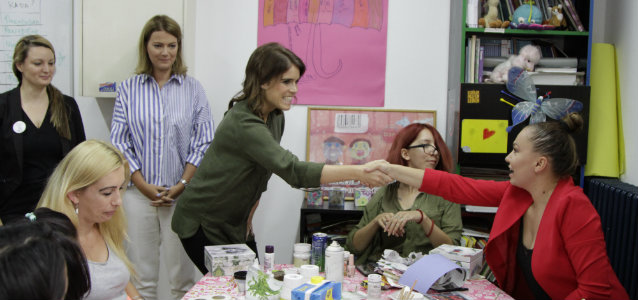 HRH Princess Eugenie of York visits the ATINA reintegration centre. Photo: UN Trust Fund/UN Women: Maja Medic