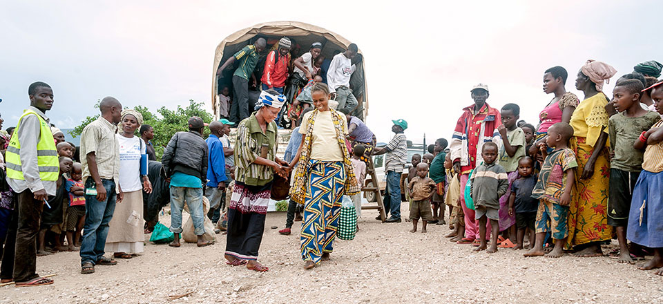 Pictured centre left: Nahimana Fainesi (Finess), 30, fled her native Burundi in July 2015 and has been living in the Lusenda refugee camp in Fizi, Democratic Republic of Congo, which is home to more than 16,000 refugees, the majority of which are women and girls. Photo: UN Women/Catianne Tijerina