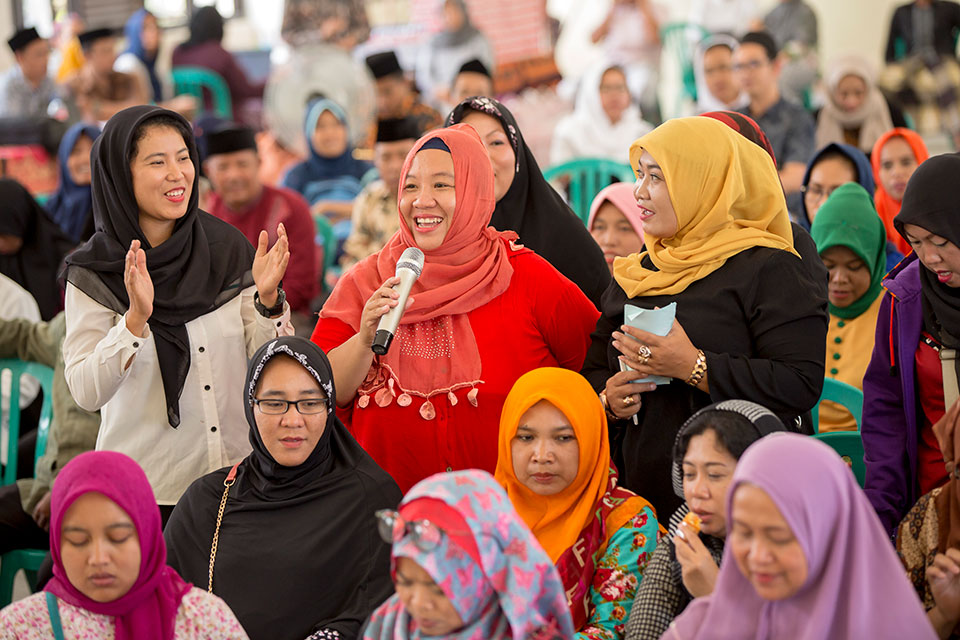 Community Peacebuilding Discussions held on Madura island, East Java, Indonesia. Photo: UN Women/Ryan Brown