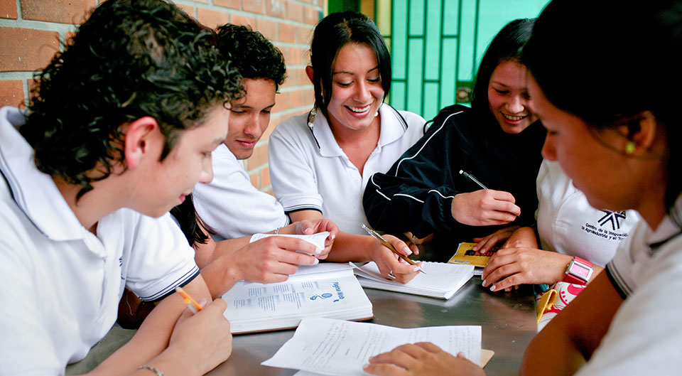 Students in a technical education program supported by the World Bank in Antioquia, Colombia. Photo: World Bank/Charlotte Kesl