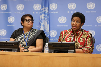 Radhika Coomaraswamy, independent lead author of the new report Preventing Conflict, Transforming Justice, Securing the Peace with UN Women Executive Director Phumzile Mlambo-Ngcuka