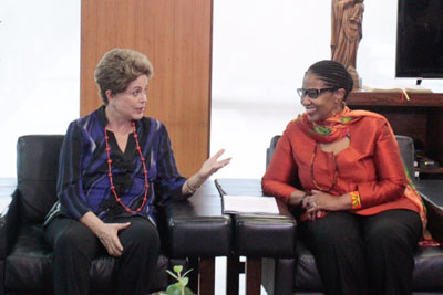 UN Women Executive Director Phumzile Mlambo-Ngcuka met with President of the Republic, Dilma Rousseff, during her visit to Brazil. Photo: UN Women/Bruno Spada