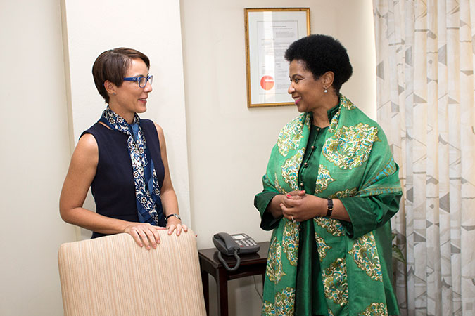 Jamaica's Minister of Foreign Affairs, Senator The Honourable Kamina Johnson Smith with UN Women Executive Director Phumzile Mlambo-Ngcuka on 1 November. Photo: UN Women/Jean-Pierre Kavanaugh