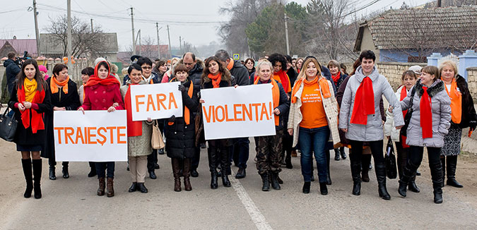 "In Moldova, ""Campioană pozitivă""—meaning ""Positive Champion""—help and inspire other women survivors of domestic violence to seek help. Photo: UN Women Moldova/Dorin Goian"
