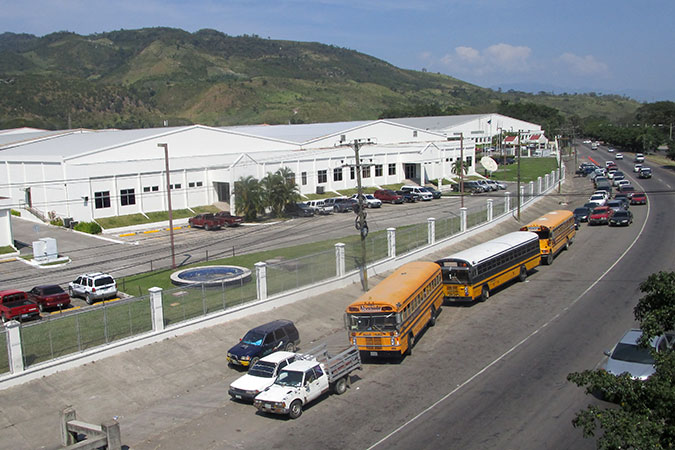 The industrial estate of Delta Honduras, the textile company where María Gutierrez works. Photo: UN Women/Héctor Gómez