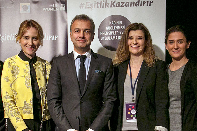 Mustafa Seçkin, Vice-President, Unilever N. Africa, Middle East, Turkey, Russia, Ukraine and Belarus Ice Cream & Beverages Categories, with members of Unilever turkey diversity and inclusion committee at the WEPs Implementation Guide launch event in Istanbul on 25 January 2017. Photo: Global Compact Turkey/Tolga Sezgin