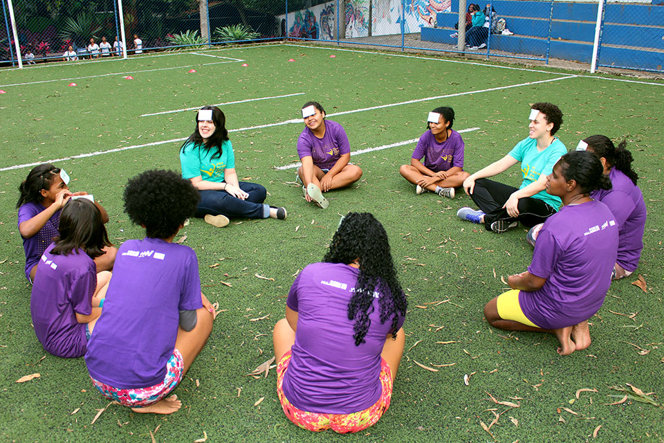 Participants in The One Win Leads to Another programme helps girls learn sports fundamentals and encourages them to speak their minds. Photo: Fundação Angélica Goulart