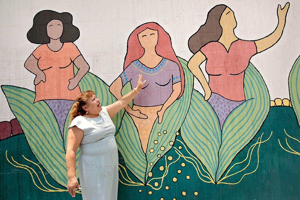 "<p> Ana Maria Pivaral Hernandez is 60 years old and lives in Zone 7 of Guatemala City. As part of the Safe City programme, she participated in mural-painting. In her own words, the experience showed her: ""we are strong women who can fight for the community and we know our rights.""     </p>"