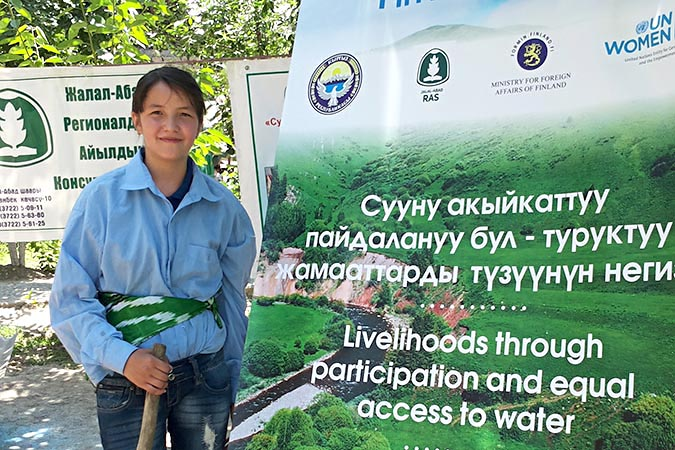 16-year-old Dilera Mavlonova raises awareness about improving women's and girls' access to water resources and women's leadership in water management. Photo: UN Women/Dildora Khamidova