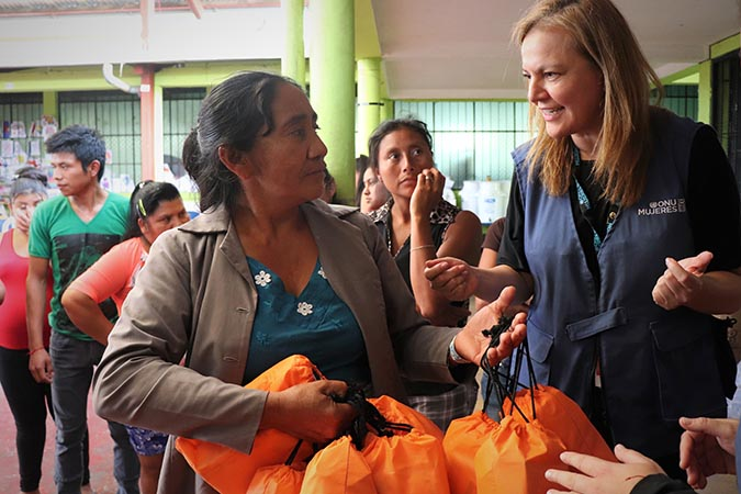 Feminine hygiene kits provided by UN Women have been distributed among the shelter residents. Photo: UN Women/Johanna Reyes Málaga.